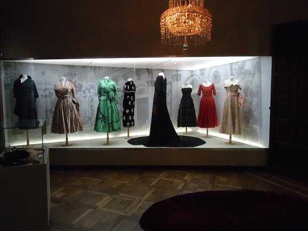 Os vestidos glamourosos de Evita