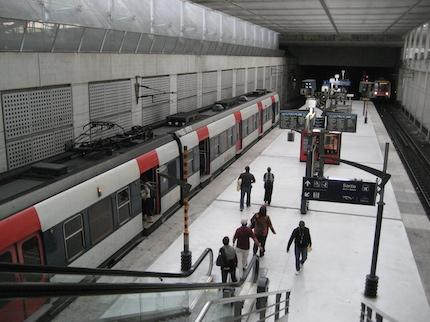 Charles de Gaulle - metrô para ir ao centro de Paris