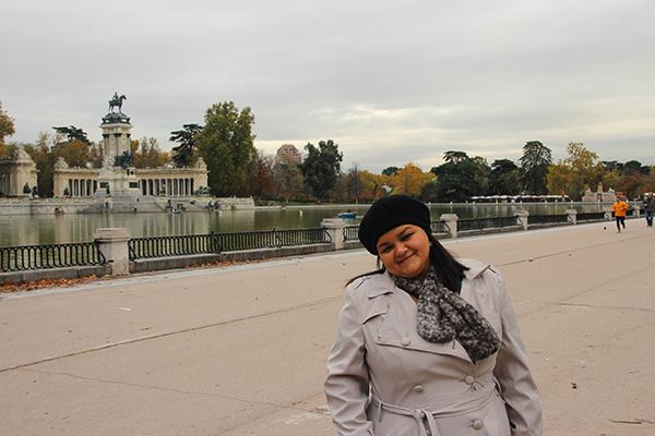 Vista para o grande lago e o Monumento...