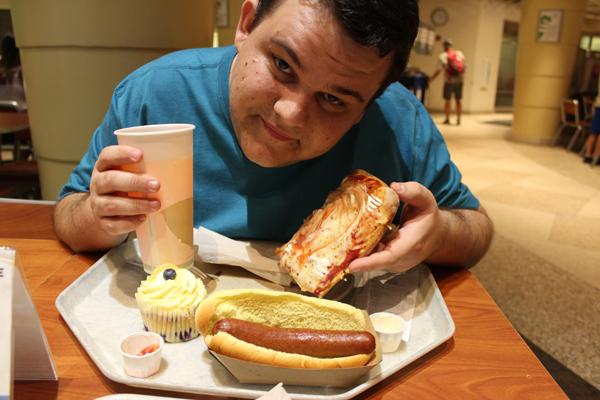 Pausa para um lanchinho bem nutritivo... Self-service de lanches, só nos EUA mesmo...
