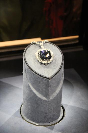 Diamante Hope - beleza e maldição? - valor incalculável...