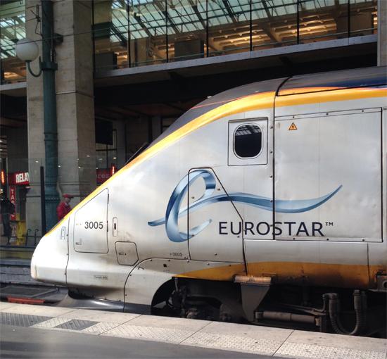 Eurostar - o trem de alta velocidade que leva você de Londres a Paris bem mais rápido do que avião!!! E ainda, abaixo do Oceano Atlântico...