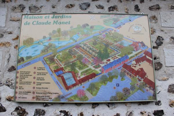 Mapa da Casa e Jardins de Monet, na entrada da Fundação Claude Monet.