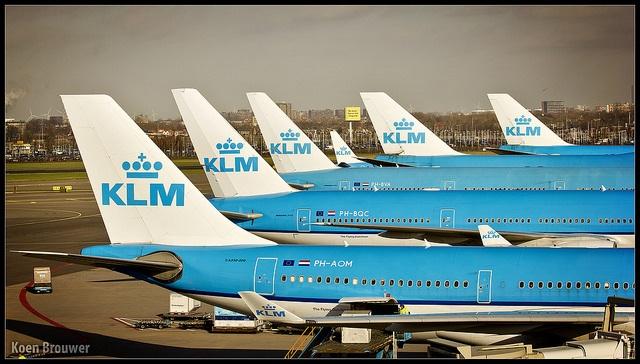 Os aviões da KLM, companhia holandesa que ainda não conhecemos, mas é bem recomendada. (Foto de: Koen Brouwer  cc).