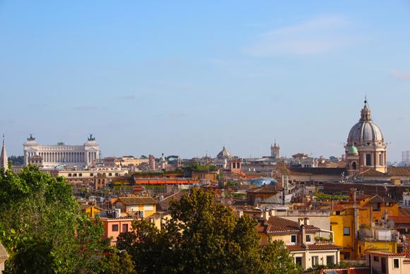 Os telhados de Roma, uma cidade fascinante que tem muito a oferecer aos visitantes. Vista do Monte Pincio.