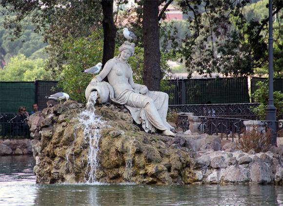 Tranquilidade e beleza são encontradas nestes jardins.