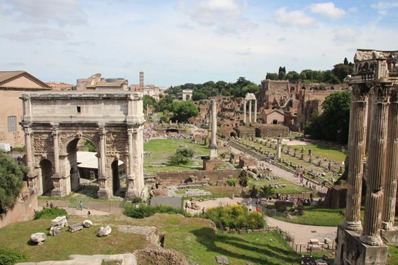 Fórum Romano - muito mais do que pedras empilhadas - um lugar que reflete a história de milhares de anos atrás.