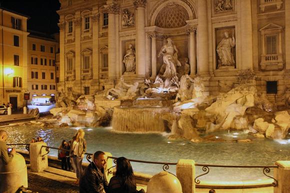 A Fontana de Trevi, um lugar lindo bem no meio do centro da cidade. Todos os dias passávamos por ela e a admirávamos...