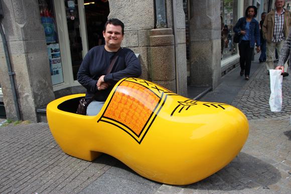 Vai um tamnquinho holandês? Tentei pedir para embalar um desses para viagem, mas olharam feio para mim...