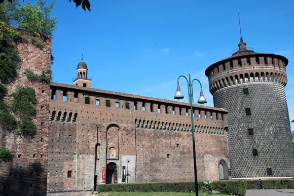 Castelo Sforzesco, hoje um conjunto de museus de arte valiosíssima...