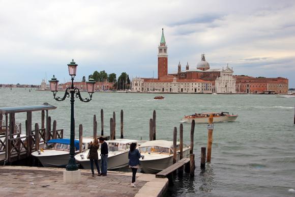 Vista da Riva degli Schiavone para a ilha de Giudecca. Um cantinho bem romântico de Veneza onde ficamos...