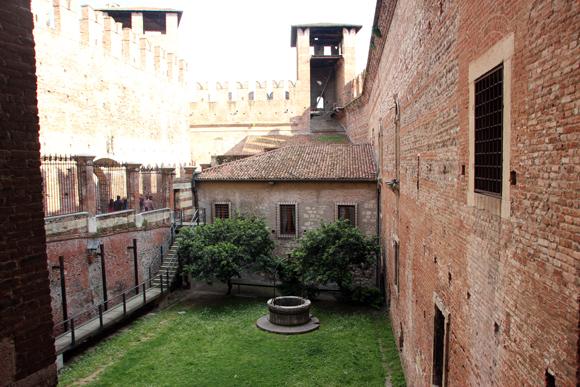 Vista interna de uma das áreas do Castelvecchio