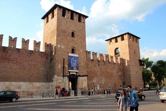 Castelvecchio, um castelo do Feudalismo igualzinho aos livros de história...