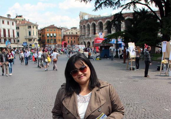 Piazza Brá, uma grande e movimentada praça - nosso ponto de partida