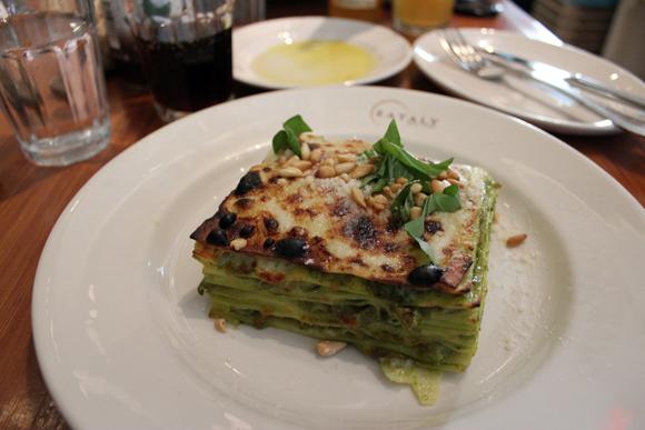E o meu prato, uma lasanha ao molho pesto, que não deve nada às verdadeiras lasanhas italianas...