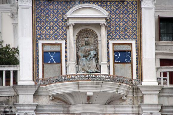 As horas na Torre dell'Orologio. Quinhentos anos marcando o tempo em Veneza...