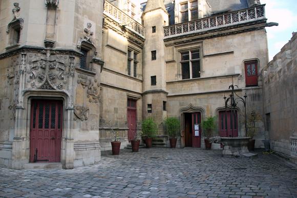 Museu Nacional da Idade Média. Conheça um pouco mais sobre essa época sombria da Europa.