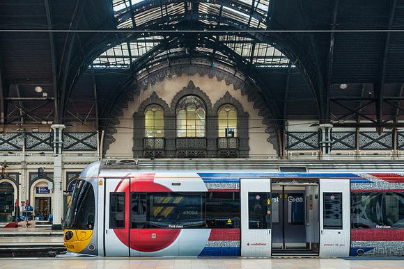 O trem Heathrow Express, conforto e rapidez, mas a um custo maior.