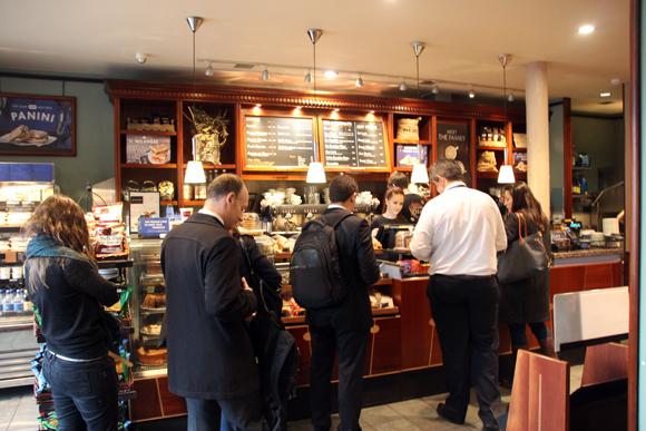 Caffé Nero, um lugar muito agradável para o desjejum em Londres.