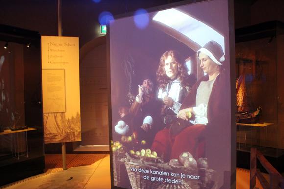 Seção da Idade de Ouro, mostrando uma época que a Holanda dominava a navegação mundial.