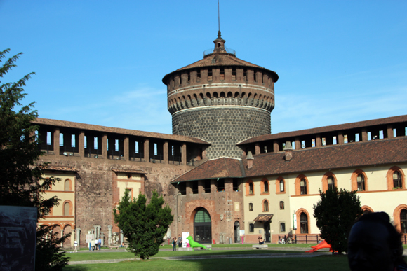 O pátio interno de Sforzesco.
