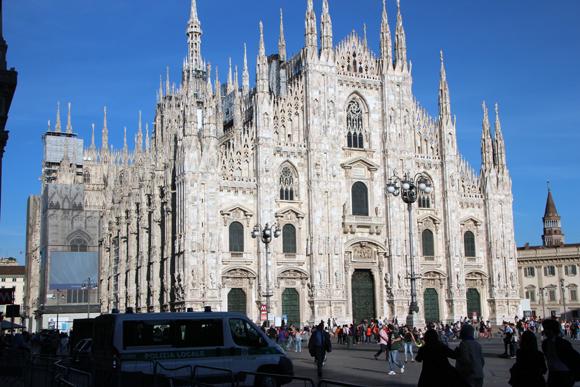 Não há como não ficar arrepiado ao ver tamanha imponência da quarta maior catedral do mundo...