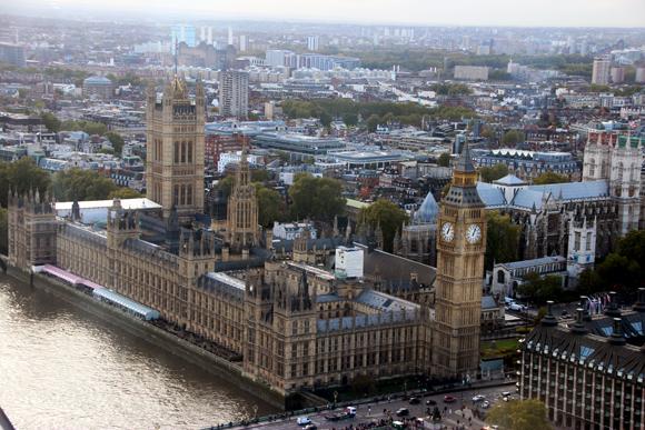 Vista aérea do Parlamento e da Elizabeth tower enquanto estávamos na London Eye.