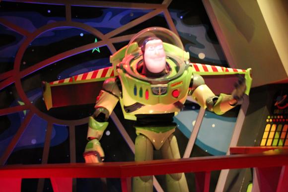 Na terra do futuro que você encontra o Buzz.