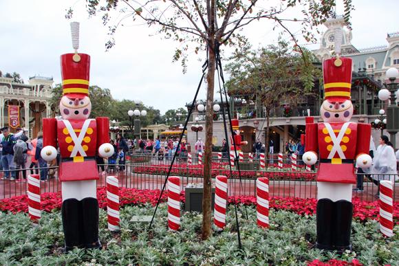 Fomos na época do Natal, então essa área do parque estava toda decorada com o tema natalino.
