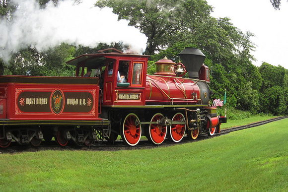 Walt Disney World Railworld, um trem que te leva aos extremos do Magic Kingdom. Foto de: