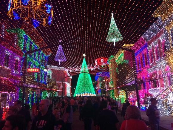 The Osborne Family Spectacle of Dancing Lights - uma atração mágica inicia sua última temporada no Hollywood Studios.
