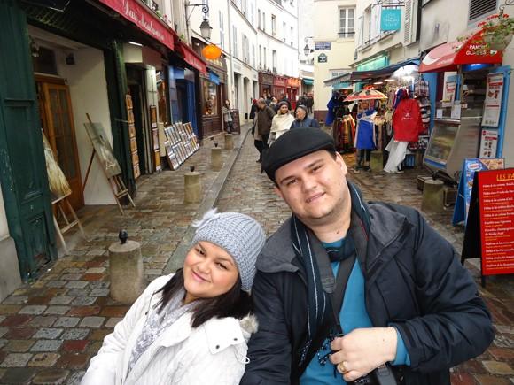 Pelas ruas de Montmartre nos perdemos entre tantas lojinhas charmosas e artistas...