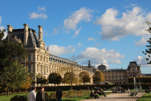 O Louvre, o maior museu do planeta - precisa-se de muitas visitas para tentar ver todas suas alas...
