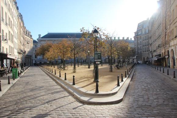 As ruas charmosas de Ile-de-France, o arrondissement 1, onde Paris surgiu.