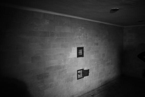 O lugar mais doloroso para nós de toda a visita. Mesmo que haja controversas se foi usada, em outros campos ela foi muito operante e ceifou milhares de vidas. Originais só existem esta em Dachau e mais duas: em Sachsenhausen e Majdanek.