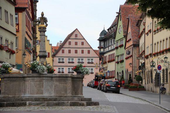 Rothenburg Ob der Tauber, nos arrancou os mais profundos suspiros.