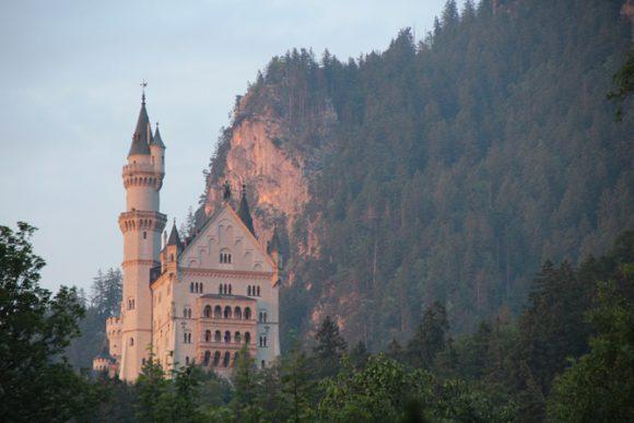 Este castelo magnífico inspirou Walt Disney na criação do castelo da Cinderella.