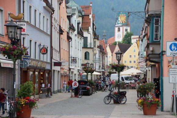 Fuessen é uma das cidades que não podemos deixar de visitar. Muitos escolhem esta cidade para pernoitar...