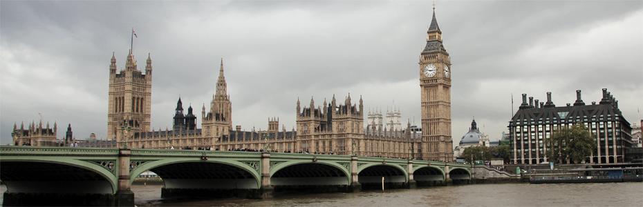 Aos pés do Big Ben em Londres